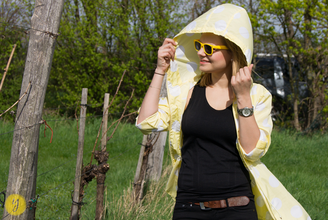 yellowgirl_Regenmantel_Outfit_2