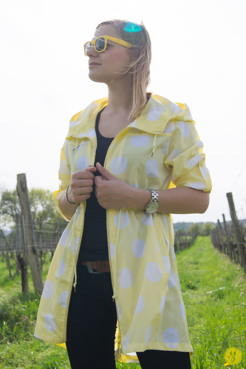 yellowgirl_Regenmantel_Outfit_3
