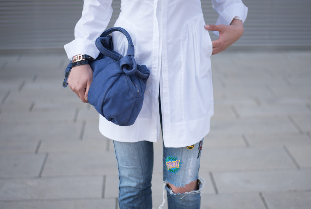 https://yellowgirl.at/wp-content/uploads/2016/06/yellowgirl_Blue_Patched_Outfit_1.jpg